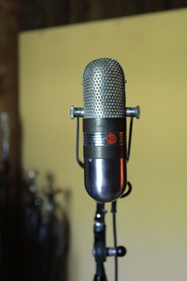 ole-timey microphones