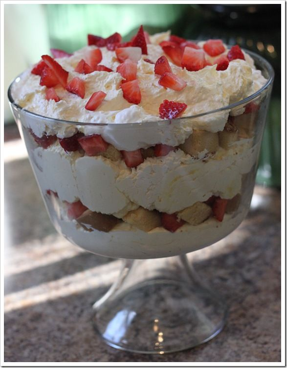 Strawberry Trifle (with pound cake)