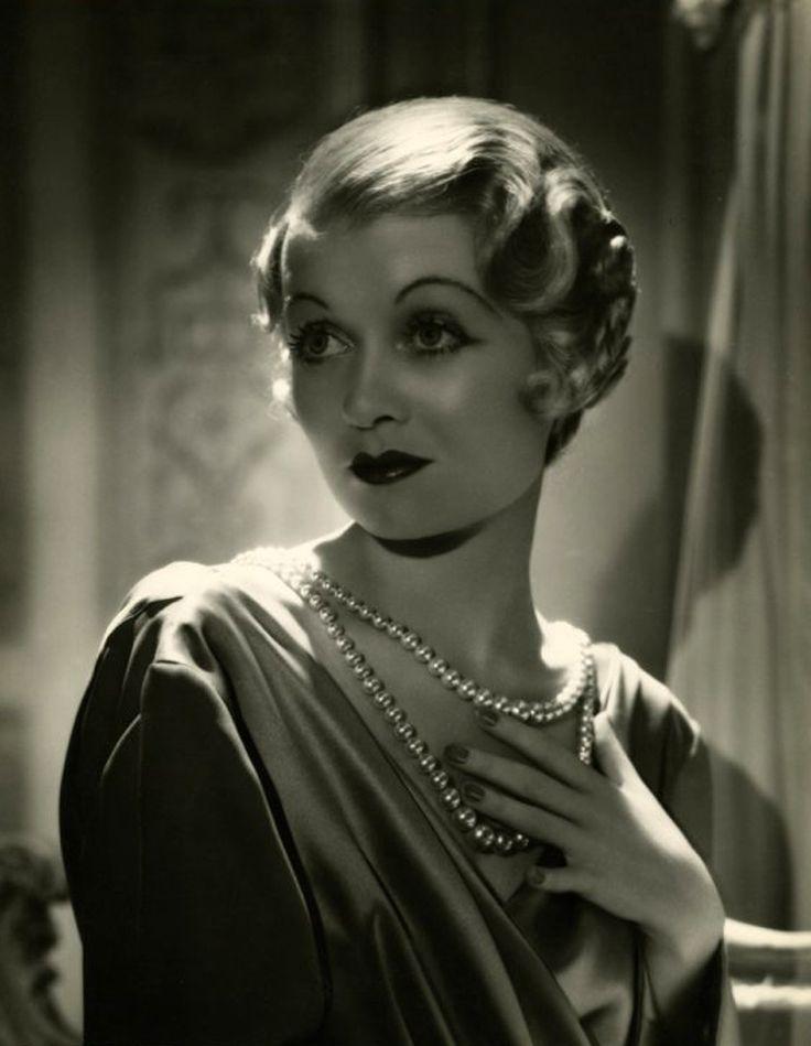 https://i.pinimg.com/736x/db/8d/3f/db8d3ff822e77c16702b11e95429758a--joan-bennett-classic-actresses.jpg