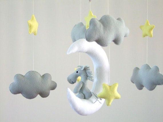 Caballo en la luna móvil caballo bebé móviles nubes por FeltButtons
