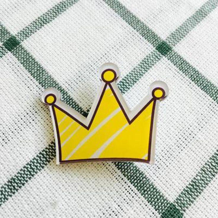 Gratis Pengiriman Acrylic Indah Crown Pakaian Lencana Ransel Decor Dekorasi Lencana Lencana