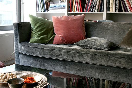 velvet sofa: House Tours, Living Rooms, Grey Velvet Sofas, Velvet Couch, Color Combos, Rooms Colour, Grey Sofas, Accent Color, Velvet Furniture