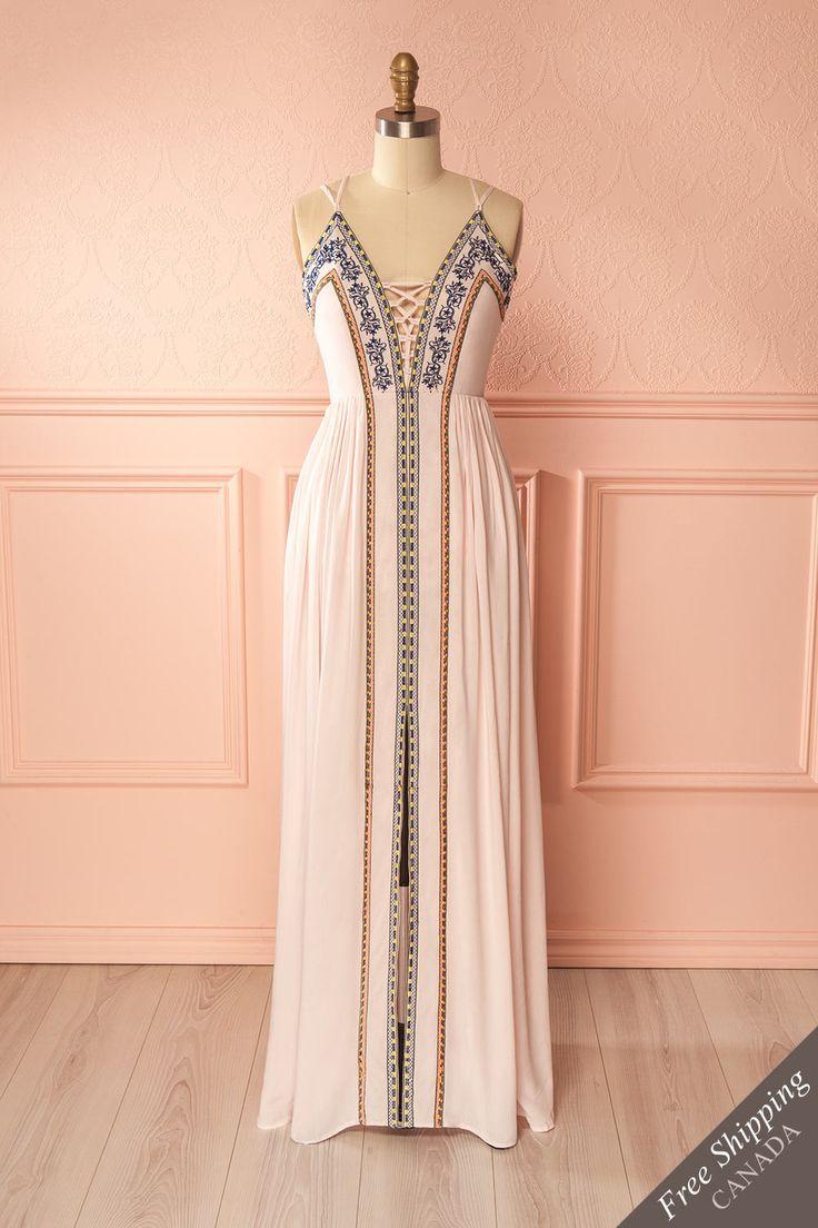 Light pink embroidered laced neckline maxi dress - Robe longue rose pâle à broderies et encolure lacée