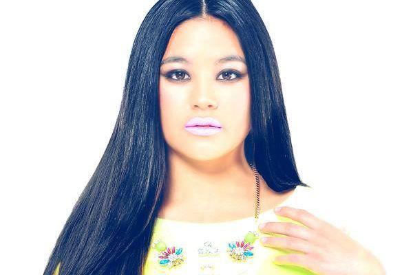 """María Sagana estrena el lyric video de """"Beautiful as You Are"""""""