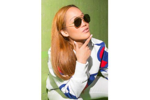 Lhaga :sunglasses / Acne Studiossweater / Championjeans / Victoria Beckham