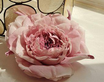 Spilla nuziale battente fiori da sposa di PresentPerfectStudio