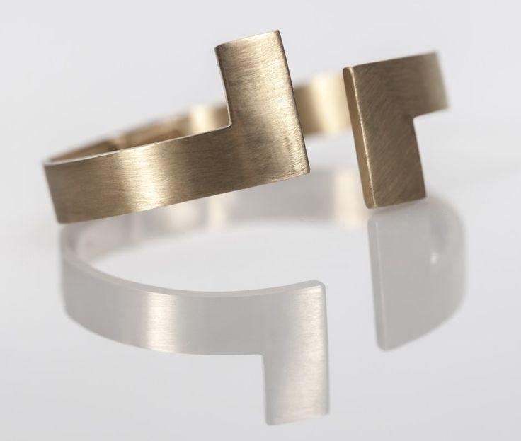 Subtractive power of Polina Sapouna-Ellis' jewellery – Ovalme