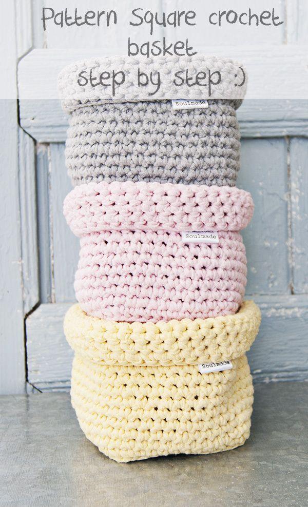 Kijk wat ik gevonden heb op Freubelweb.nl: leuke vierkante mandjes om te haken met textielgaren (zpagetti of ribbon xl) http://www.freubelweb.nl/freubel-zelf/zelf-maken-met-textielgaren-mandje/