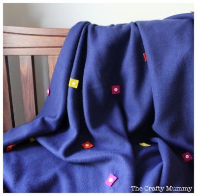 Super easy polar fleece blanket tutorial with felt and button decorations Find your material in stock NOW!