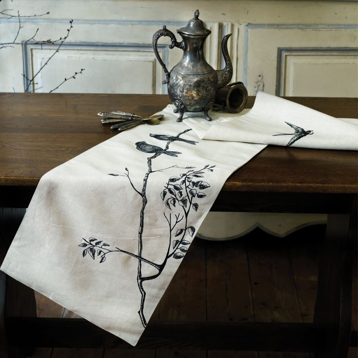 Vintage | Amour 34x170cm Table Runner - hardtofind.