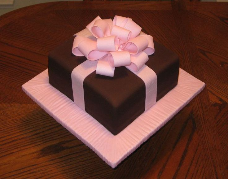 Cake With Fondant Ribbon : Simple Present Cake - 10