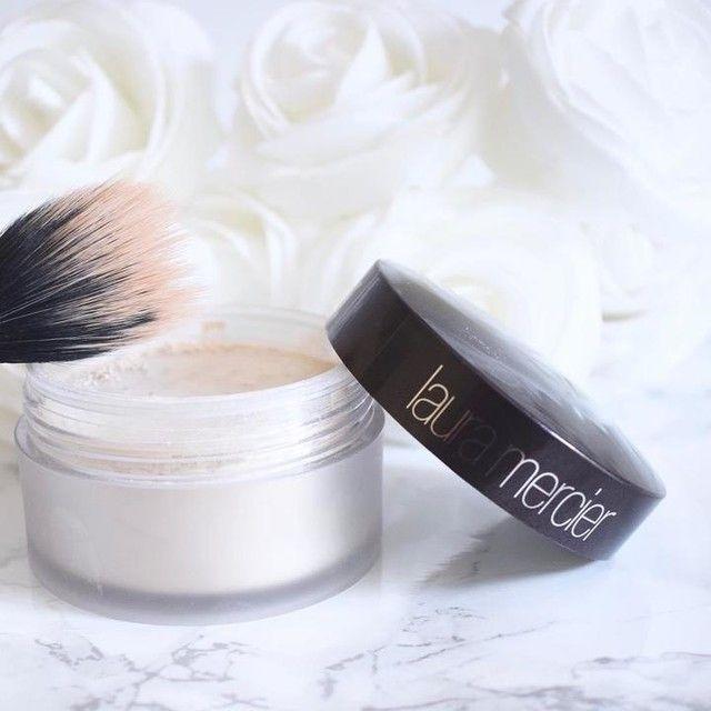 Kết quả hình ảnh cho lauramercierSet for a fresh, matte finish. Featured: Translucent Loose Setting Powder