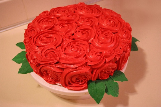 Kentucky Derby Rose Cake: Cakes Ideas, Cakes Decor, Red Rose, Parties Ideas, Derby Rose, Kentucky Derby, Derby Parties, Grooms Cakes, Rose Cakes
