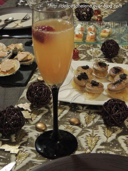 Qui dit repas de fête, dit forcément boisson de fête... Alors pour accompagner un apéritif des plus chic, place au champagne! du champagne du jus de pamplemousse du sirop de sucre de canne 1 framboise par verre Verser dans chaque verre, 1/3 de jus de...