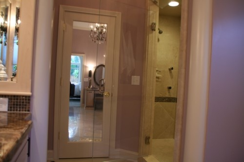 love the mirror on the back of the door bathrooms pinterest traditional traditional. Black Bedroom Furniture Sets. Home Design Ideas