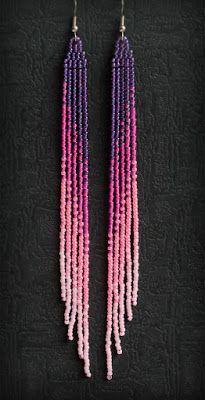 Длинные сиренево-розовые серьги из бисера