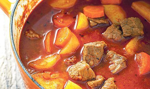Varivo od krumpira, mesa i mrkve