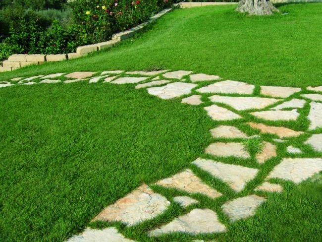 Lastricato in pietra di trani formato gigante