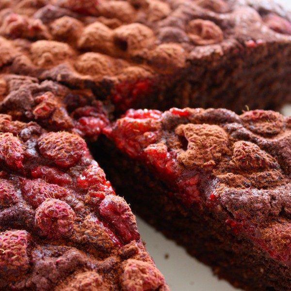 Easy One Bowl Chocolate Raspberry Cake
