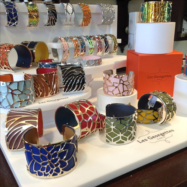 The newest line to ASHLEY'S- Les Georgettes. Interchangeable leather straps in fun cutout metal cuffs- enjoy switching up your bracelet according to your mood or outfit! ASHLEY'S Distinctive Jewelry and Gifts 555 Day Hill Road860-298-9542 #LesGeorgettes #MadeInFrance #Interchangeable #Leather #LeatherInserts #ColorfulLeather #PersonalizeYoursToday #Bangles #ASHLEYS #ASHLEYSjewelers #AshleysDistinctiveJewelryAndGifts #Jewelry #Fashion #Gifts