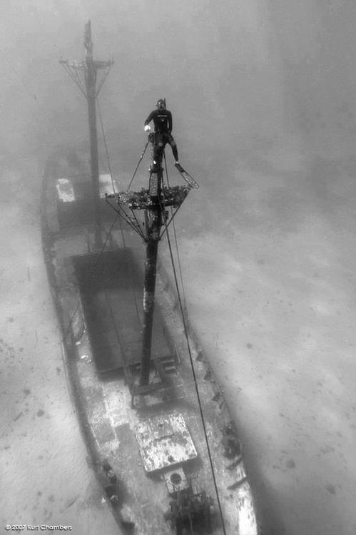 sunken boat and look at me