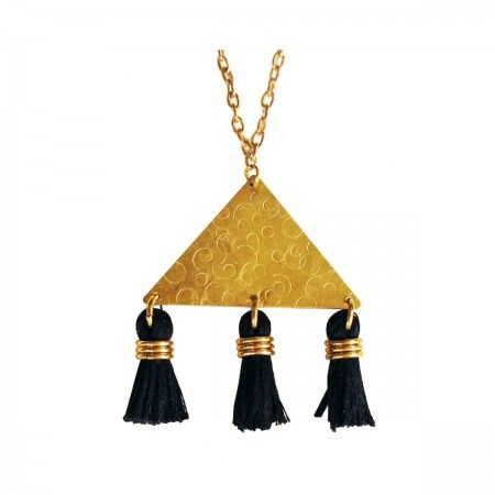 This elegant long necklace is decorated with brass and viscose dowels. Among all the Nokike brand's collections this is perhaps the one most focused on elegance, without loosing the originality and unpredictability that characterizes the entire brand.