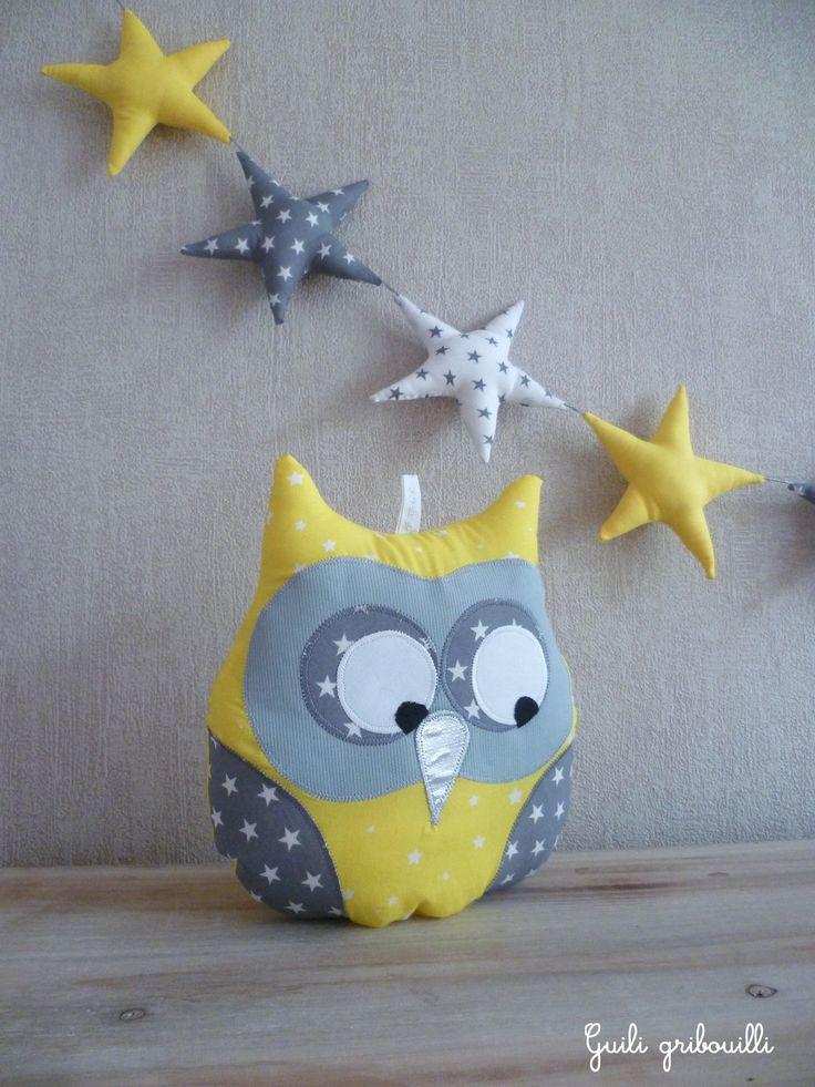 Coussin hibou musical jaune et gris étoilé : Chambre d'enfant, de bébé par guiligribouilli