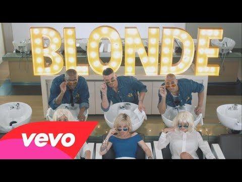 Bienvenue dans le salon de coiffure d'Alizée ! #BLONDE : À écouter dans notre playlist Chanson Française sur Deezer et Spotifty !