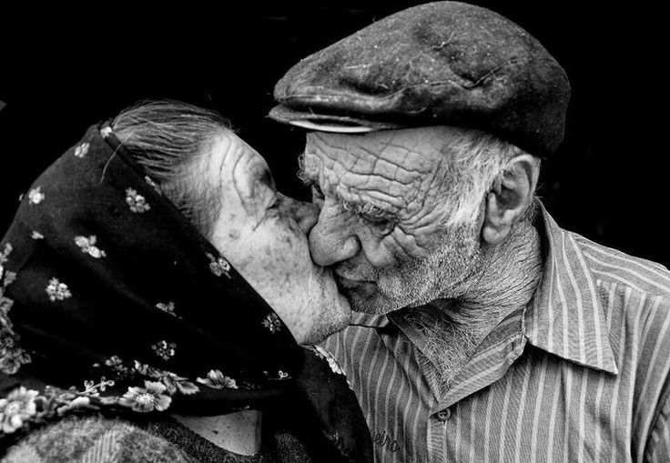 Lovely moments between elderly couples