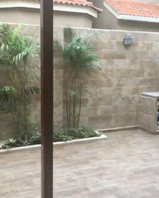 Remodelación de patio exterior e interior✨ •Instalación de piso •Revestimiento de paredes •Piedra rústica con cascada •Jardín •Pérgola con Tumbado de policarbonato •BBQ •Comedor •Diseño de tumbado e iluminación •Centro de entretenimiento  Y seguimos 🙈 📞0993744395  #somosindeco #indeco4u #indecodesign #indecomobiliario #samborondon #salinas #vialacosta #guayaquil #ecuador #montereylocals #salinaslocals- posted by Diseño de Interiores Ecuador https://www.instagram.com/indeco.ec - See more of…