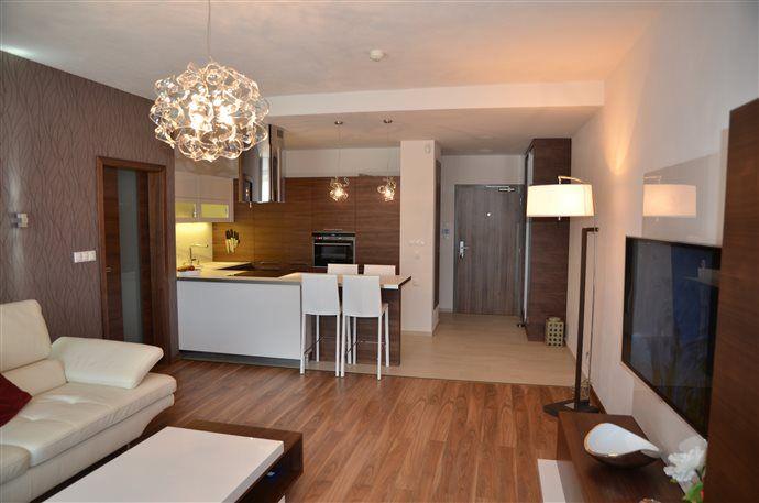 Apartmán Tále - pohľad z obývačky na kuchyňu