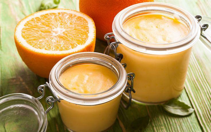 Custard olarak adlandırılan koyu kıvamlı kremalar, İngiliz mutfağına ait şeker mi şeker tatlar. Portakal kreması tarifi de onlardan bir tanesi.