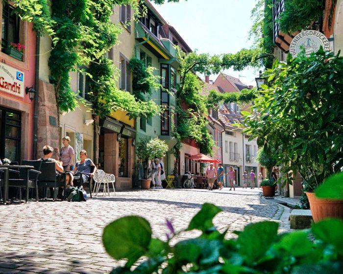Wenn Sie Freiburg erleben möchten, finden Sie hier unsere Lieblingstipps. Von D…   – City Restaurants Cafés Läden