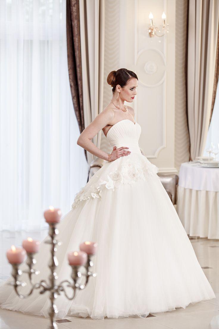 2016 Classic Collection Weddding Dress Maxima Bridal  05.16