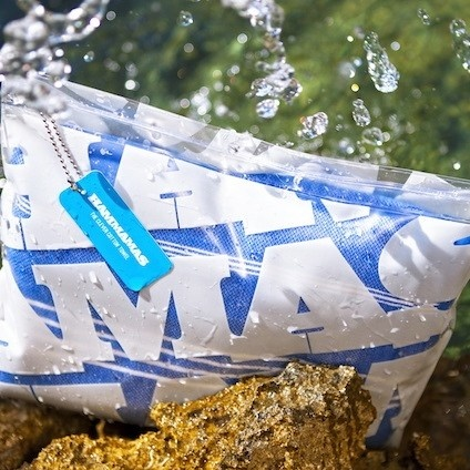 The new Hammamas Wet Bag is perfect for carrying your dry towel to the beach and your damp towel (or swimmers) home.  It will keep the rest of the contents in your bag dry.    Indigo Blue Trading are currently offering a free wet bag with every Hammamas purchased,
