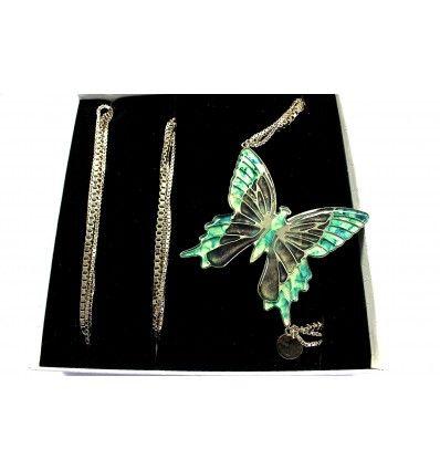 @ipstyle_it      Plume  Cat  Ilium #ITALIANPROJECT STYLE italian brand #fluo #neon #fluorescent on night #neckalce #cuffs #earrings #bracelets #rings #jewels #bijoux #butterfly #animal #glitter #green