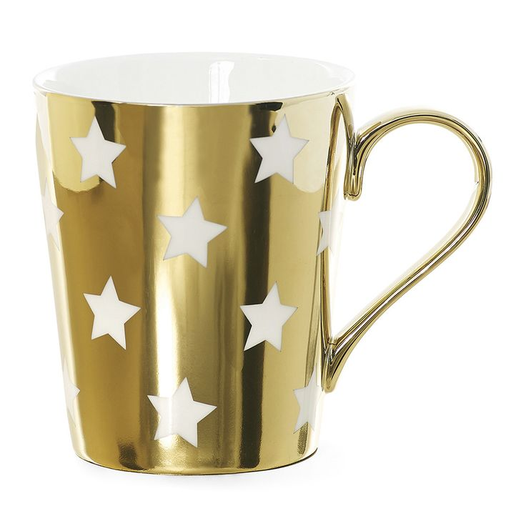 Brighten up your breakfast table with this Stars coffee mug from Miss Etoile. Made from ceramic, it is gold and white in colour and adorned with charming stars. A welcome addition to your home, pair t