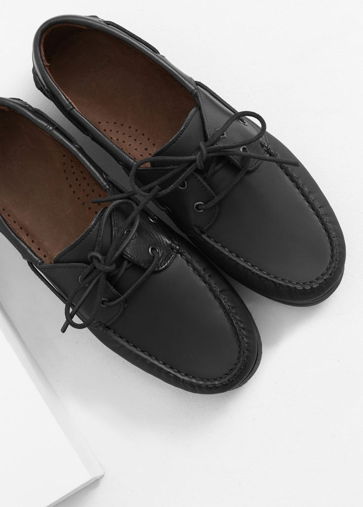 Leather boat shoes | MANGO MAN