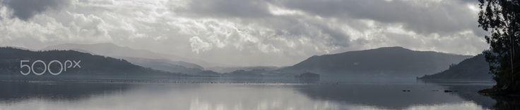 San Simon Bay panorama - Tomada desde las salinas do Ulló, en Vilaboa. Vista Panoramica de la ensenada de San Simon. Taken from the salt pans of Ulló in Vilaboa. Panoramic view of the bay of San Simon.