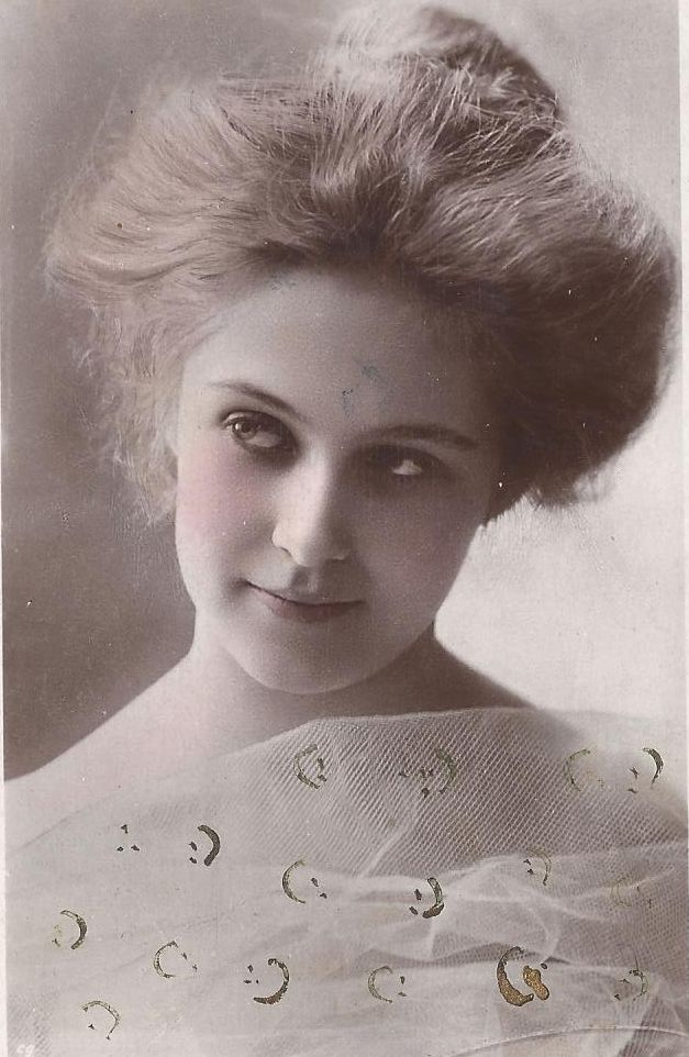 American edwardian actress Miss Billie Burke, late 1900