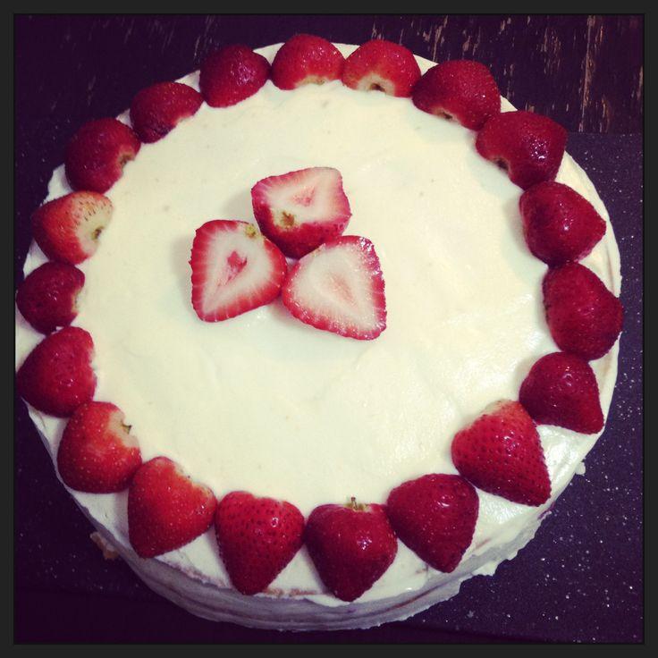 Strawberry BDay Cake :) yummmm