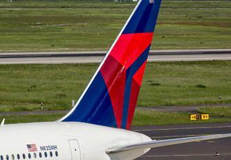 N835MH - Delta Air Lines Boeing 767-400ER photo (45 views)