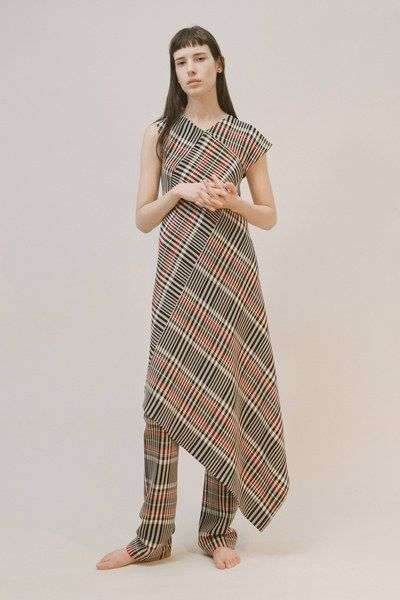 See the complete Ports 1961 Pre-Fall 2017 collection.