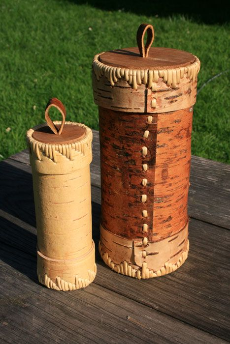 Recipientes de corteza de abedul.  Carpintería y cestería.  http://jonsbushcraft.com/#