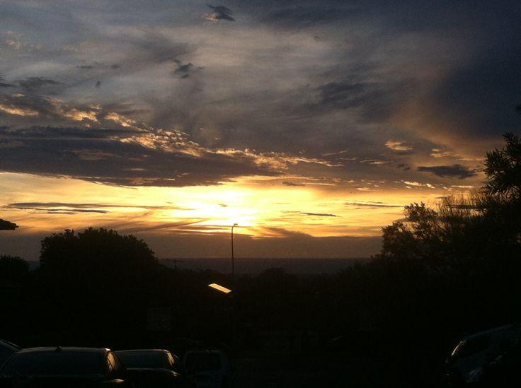 Sunset #sunisbetweentheclouds #lookslikeavolcano