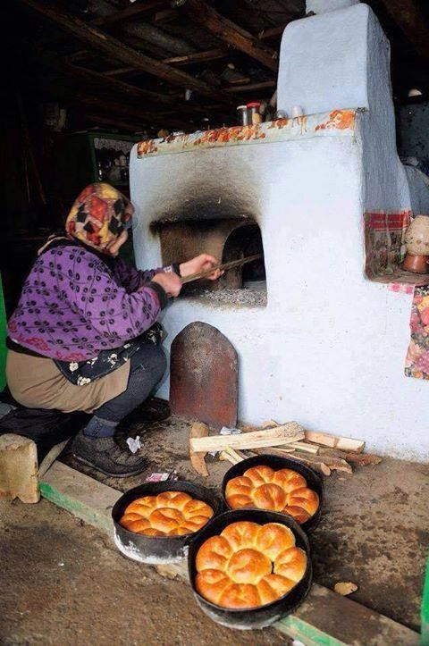 The best pies come from the oven made of mud in Vojvodina, Serbia