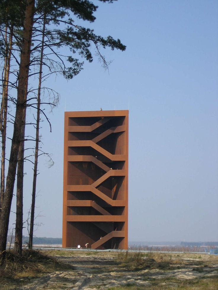 Landmark Lausitzer SeenlandDue to weathering, the observation tower, made of weatherproof steel (corten steel), receives an expressive brown patina.