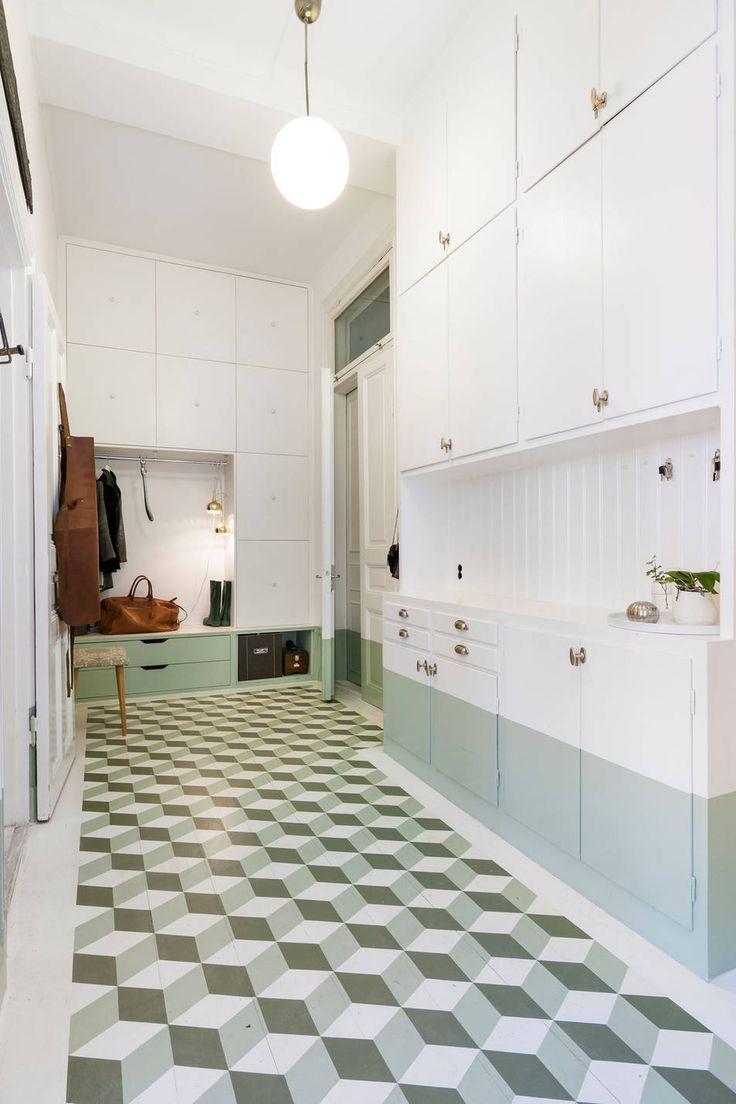 Renstiernas Gata. hemnet. green hallway, DIY, storage. BOSTHLM