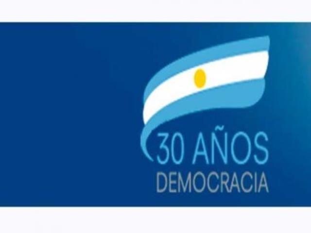 La docente de la facultad de Periodismo y Comunicación Social de la Universidad Nacional de La Plata se refirió a la convocatoria para la muestrafotográfica colectiva 30 años de democracia, mucho más que 30 fotos, que se llevará a cabo en