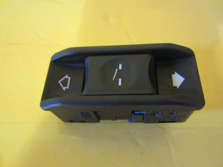 db94a2826b3c8b8e8d3c9f068b3f44a1 sun moon bmw bmw e60 oem sos sunroof airbag switch panel buttons 7025072 with BMW X5 Fuse Panel Diagram at gsmx.co